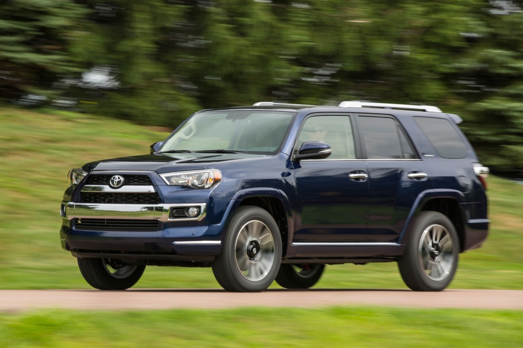 2015 toyota 4runner pictures photos gallery the car connection. Black Bedroom Furniture Sets. Home Design Ideas