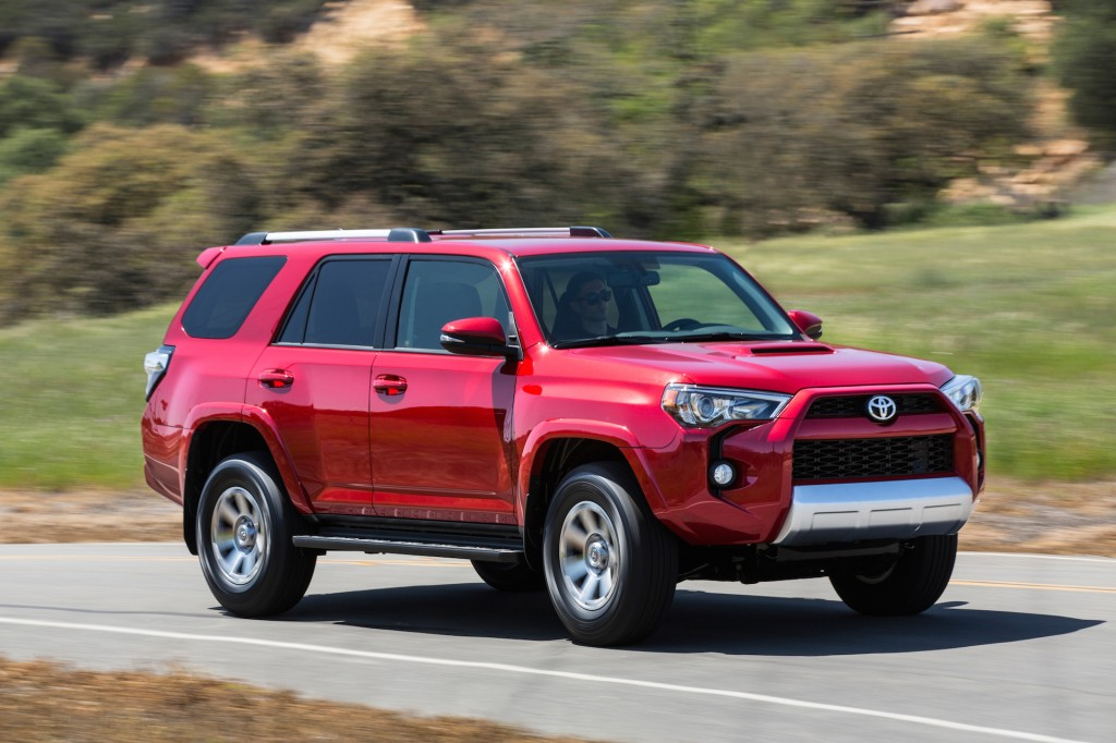 2015 toyota 4runner pictures photos gallery motorauthority. Black Bedroom Furniture Sets. Home Design Ideas