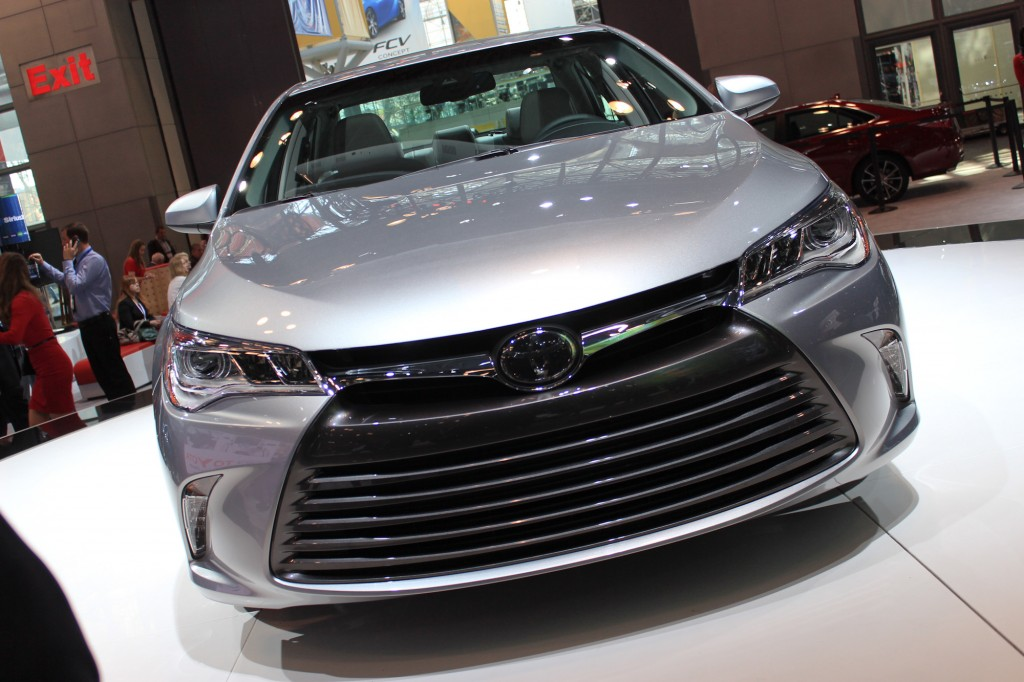 2015 Toyota Camry Video: New York Auto Show2015 toyota avalon