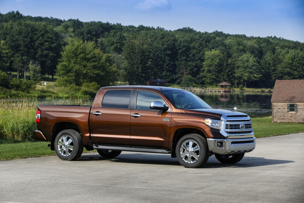 2015 toyota tundra pictures photos gallery the car connection. Black Bedroom Furniture Sets. Home Design Ideas
