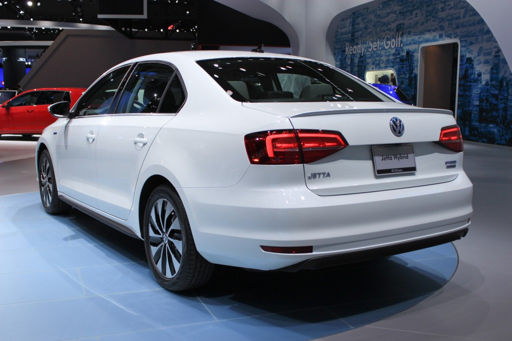 2015 volkswagen jetta live photos full details of updates for new york auto show. Black Bedroom Furniture Sets. Home Design Ideas