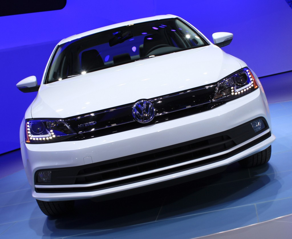 2015 Volkswagen Jetta And Golf SportWagen Concept On Show In New York