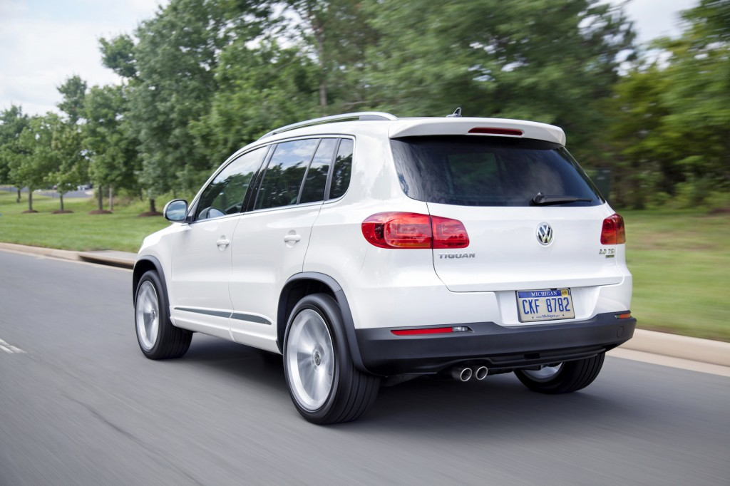 2015 volkswagen tiguan vw pictures photos gallery green car reports. Black Bedroom Furniture Sets. Home Design Ideas