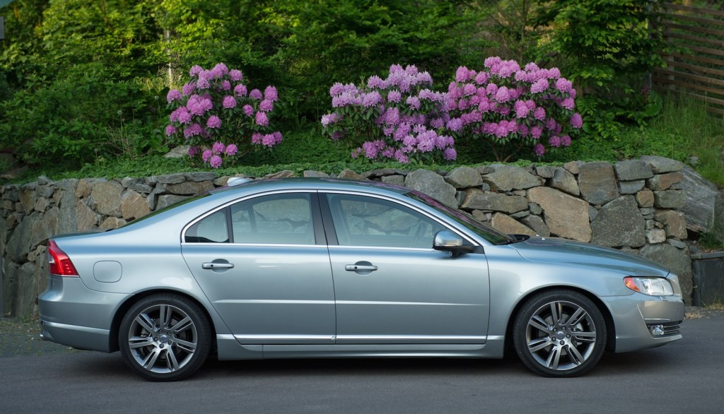 2015 volvo s80 pictures photos gallery the car connection. Black Bedroom Furniture Sets. Home Design Ideas