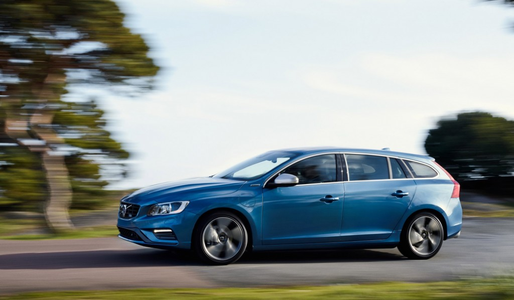 2015 volvo v60 plug in hybrid r design forbidden fruit. Black Bedroom Furniture Sets. Home Design Ideas