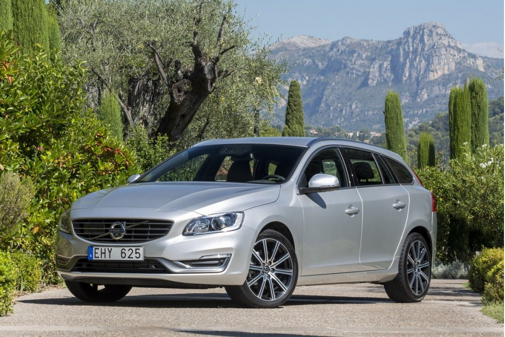 2015 volvo v60 pictures photos gallery motorauthority. Black Bedroom Furniture Sets. Home Design Ideas