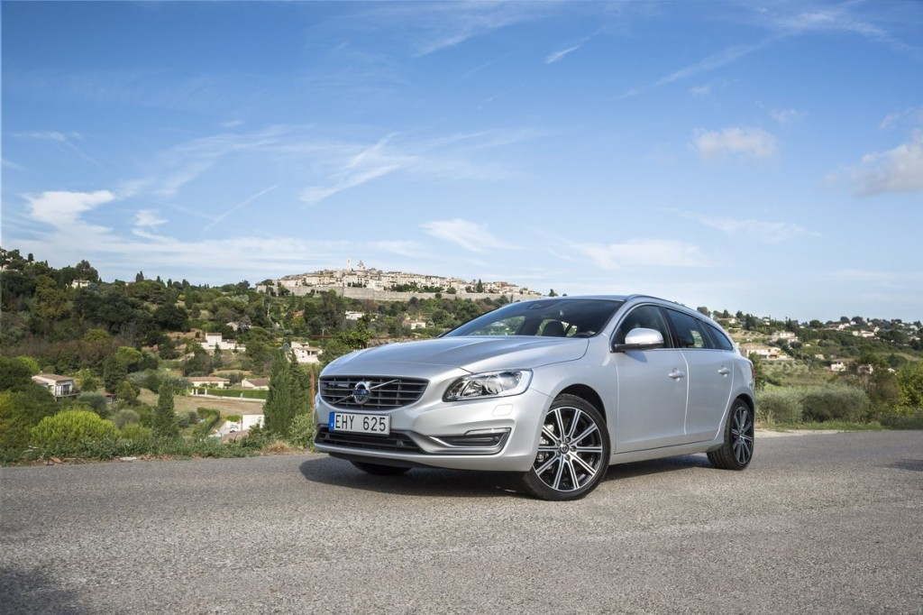 New 2015 Volvo V60 Video Road Test