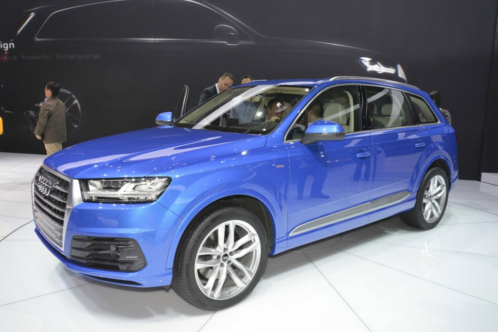 2016 audi q7 revealed at 2015 detroit auto show live. Black Bedroom Furniture Sets. Home Design Ideas