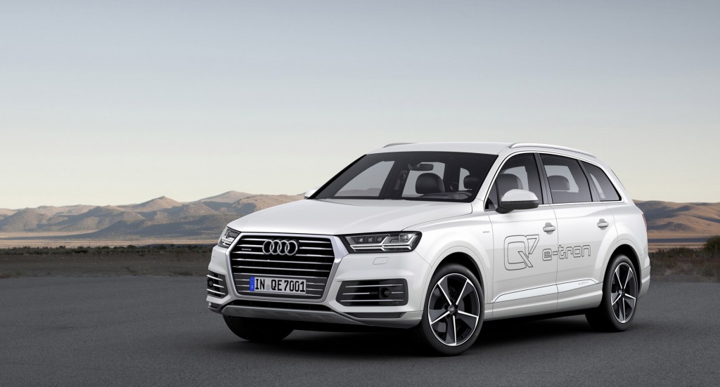 2016 audi q7 e tron quattro live at 2015 geneva motor show. Black Bedroom Furniture Sets. Home Design Ideas