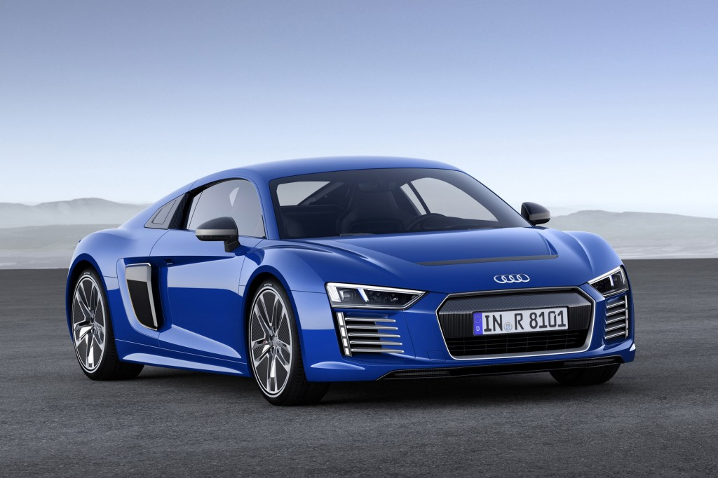 2017 Audi R8 E Tron All Electric Sports Car Live Photos