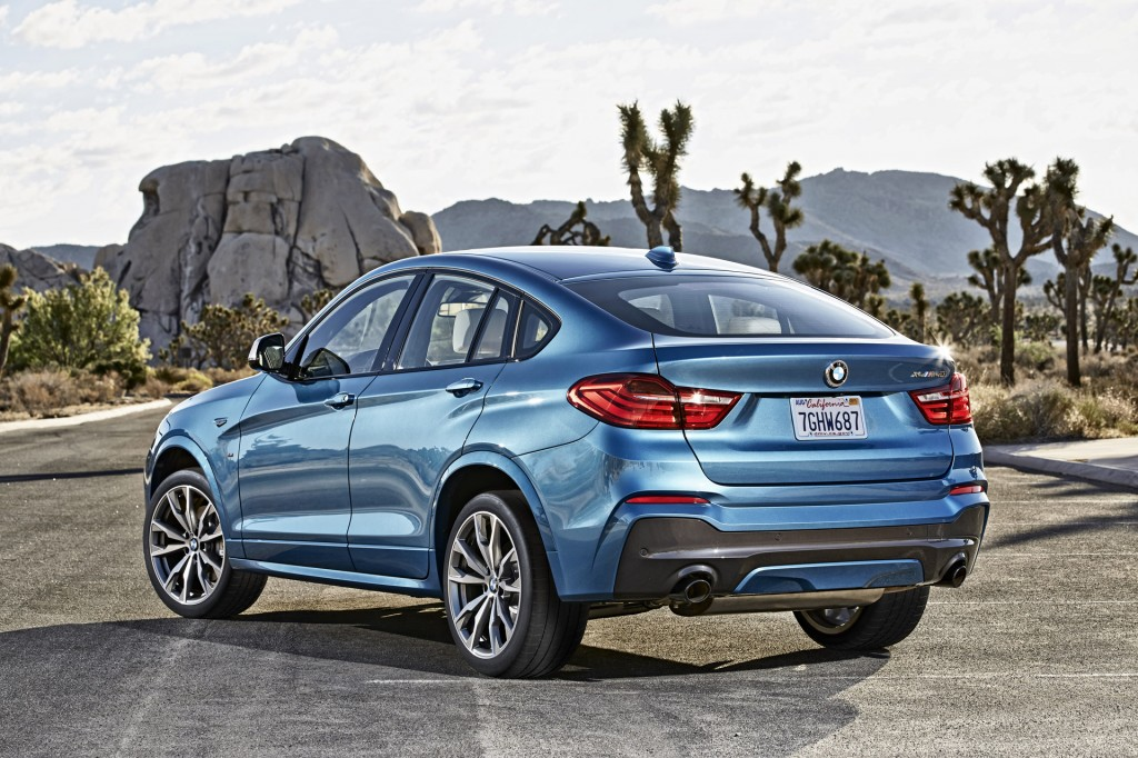 2016 bmw x4 m40i m performance model makes debut. Black Bedroom Furniture Sets. Home Design Ideas
