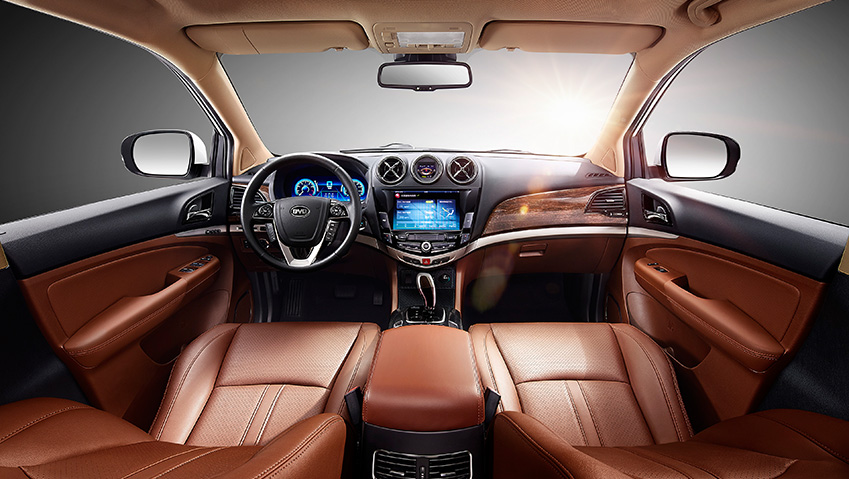 2016 byd tang plug in hybrid suv is first of four to come. Black Bedroom Furniture Sets. Home Design Ideas