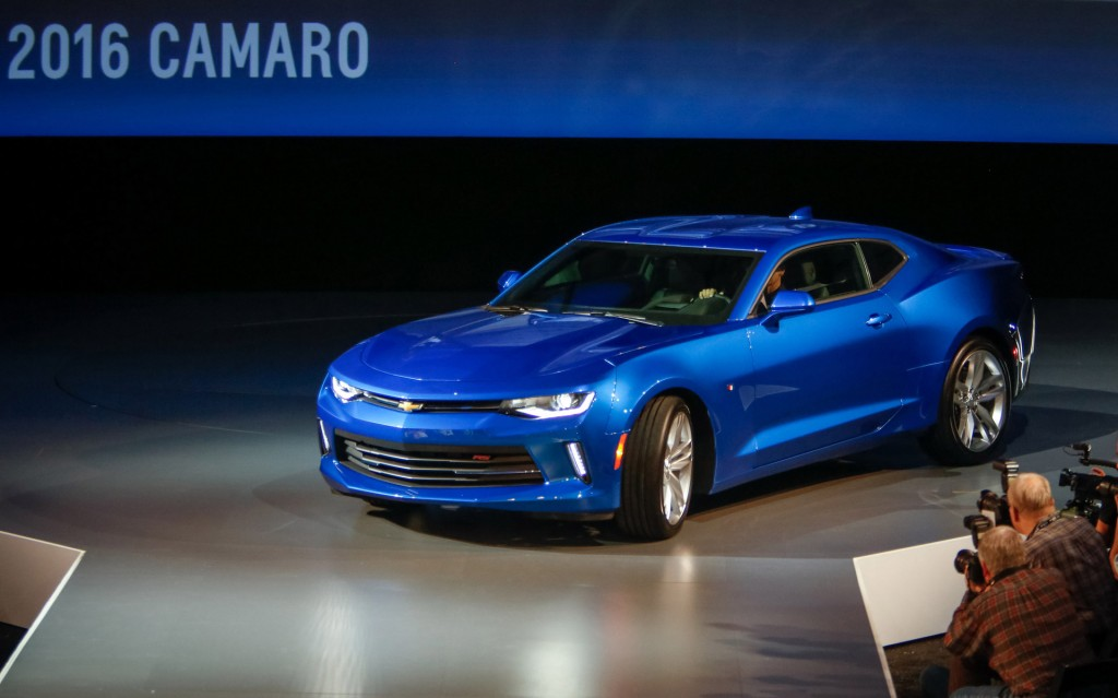 2016 chevrolet camaro preview and prototype first drive. Black Bedroom Furniture Sets. Home Design Ideas
