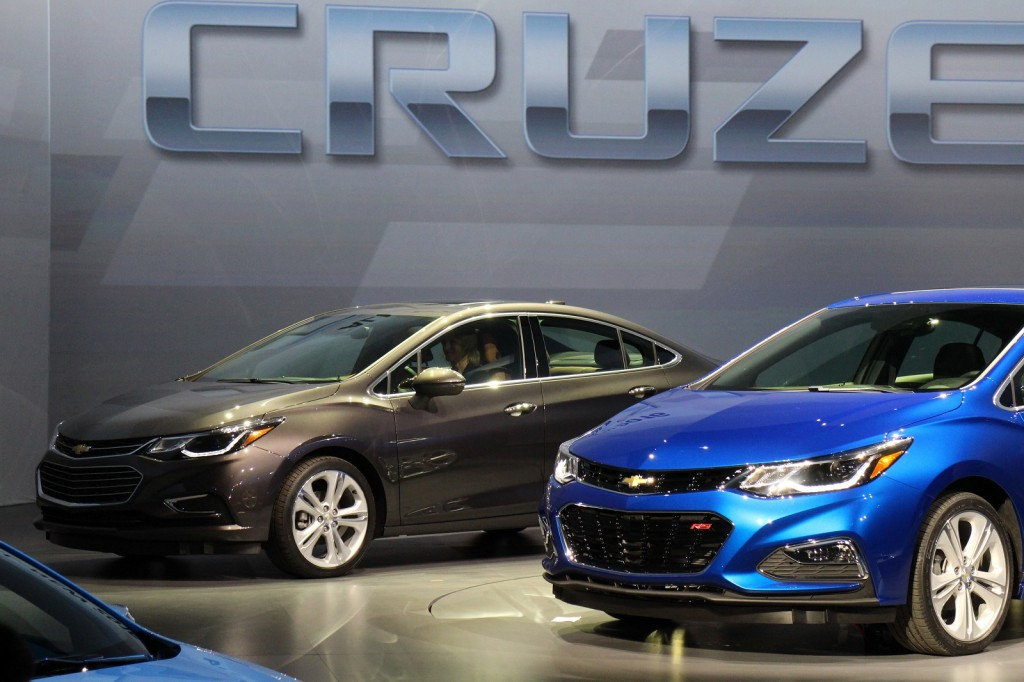 2016 Chevrolet Cruze Revealed: Live Photos And Video