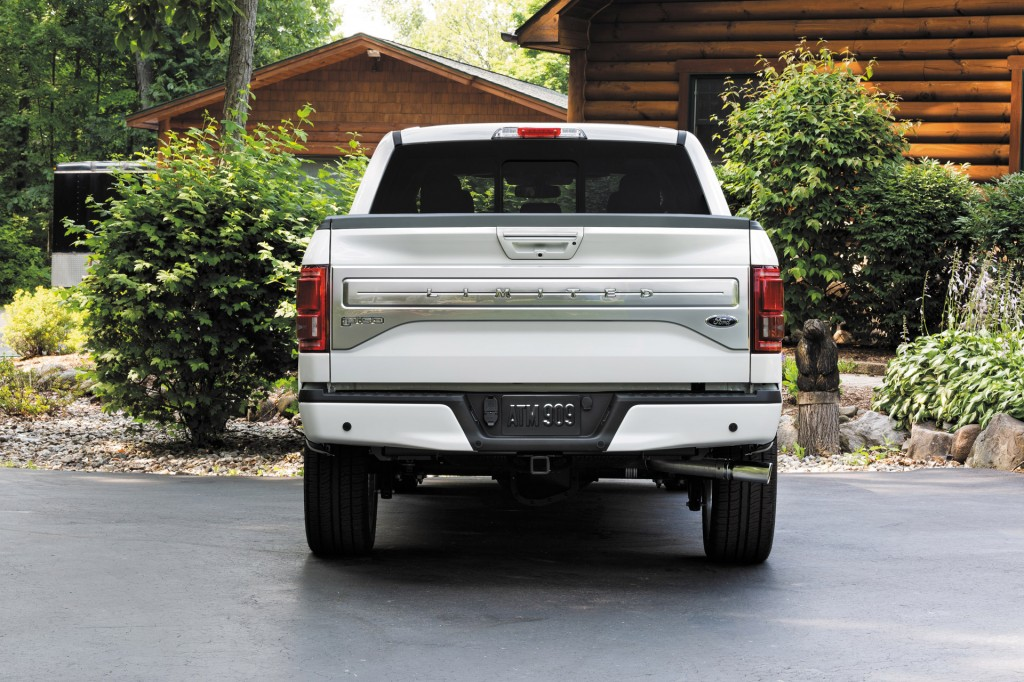 2016 ford f 150 limited loads up on luxury and tech. Black Bedroom Furniture Sets. Home Design Ideas