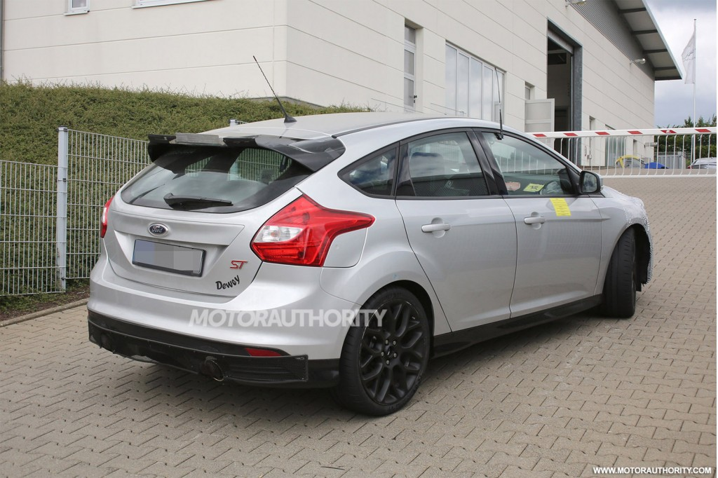 2016 ford focus rs spy shots. Black Bedroom Furniture Sets. Home Design Ideas