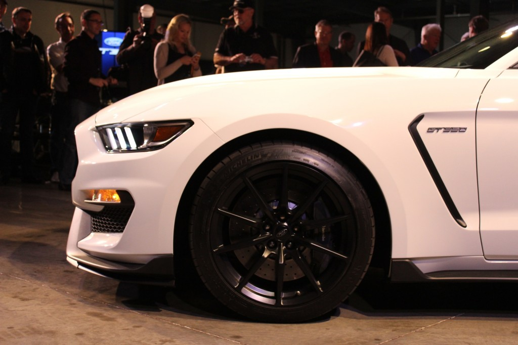 2016 Ford Mustang Shelby GT350 - 2014 Los Angeles Auto Show live ...