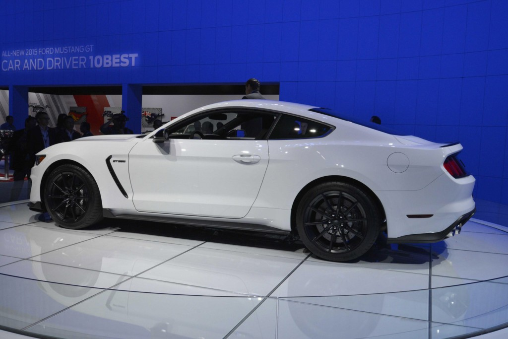 2016 ford mustang shelby gt350 new photos and video. Black Bedroom Furniture Sets. Home Design Ideas