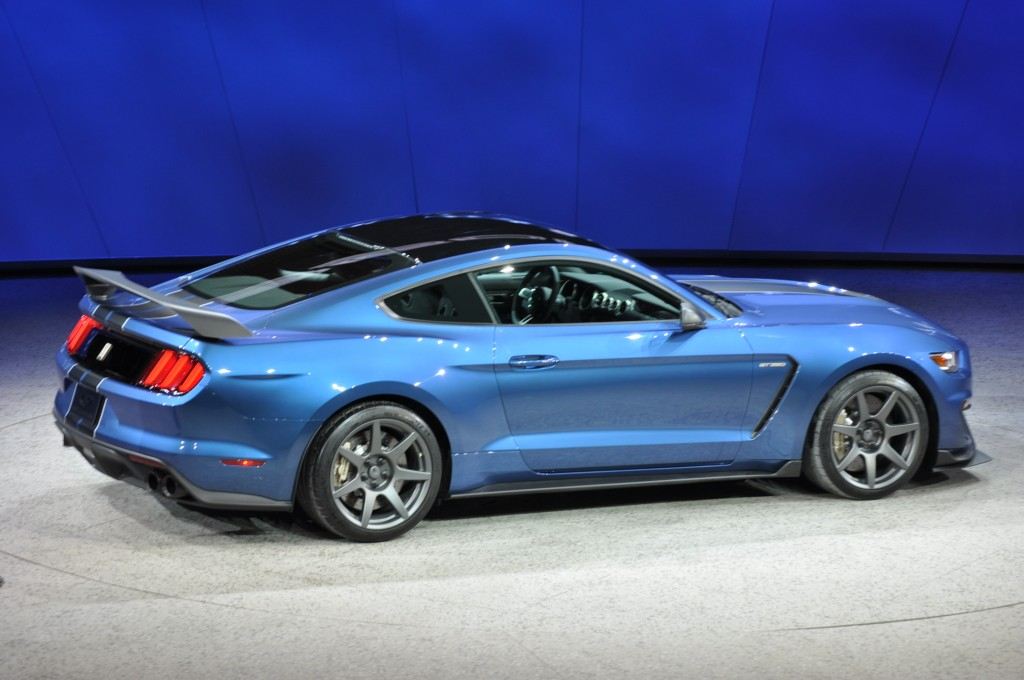 2016 Ford Mustang Pictures/Photos Gallery - The Car Connection