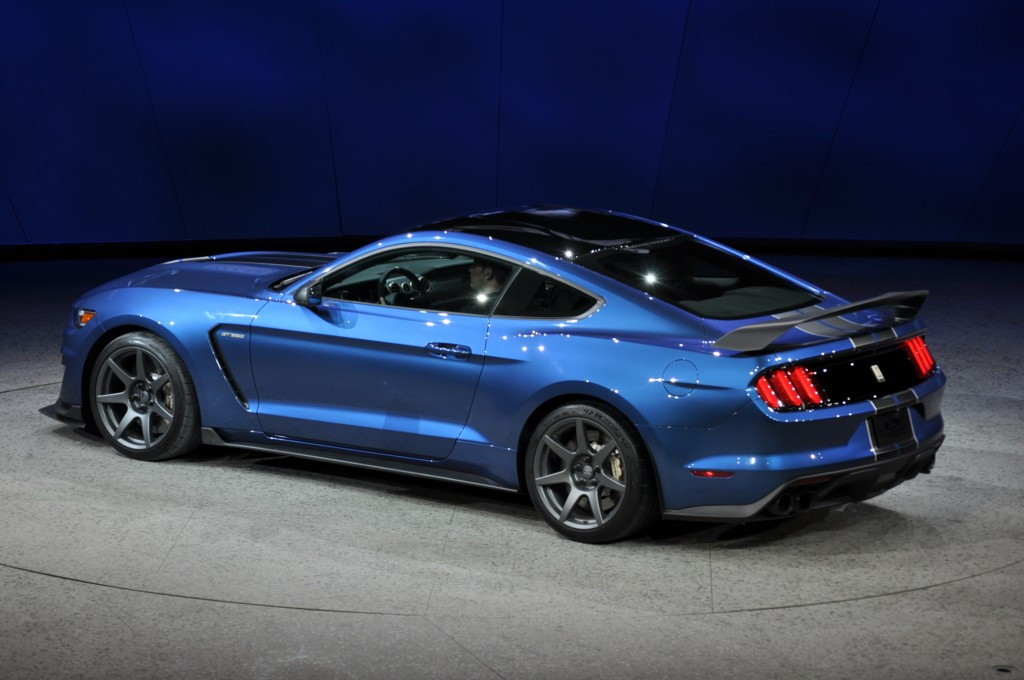 2016 ford mustang shelby gt350r 2015 detroit auto show. Black Bedroom Furniture Sets. Home Design Ideas