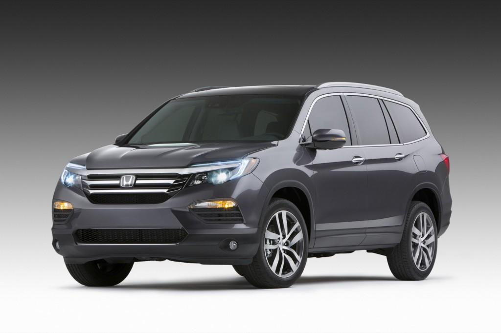 2016 honda pilot revealed at 2015 chicago auto show live. Black Bedroom Furniture Sets. Home Design Ideas