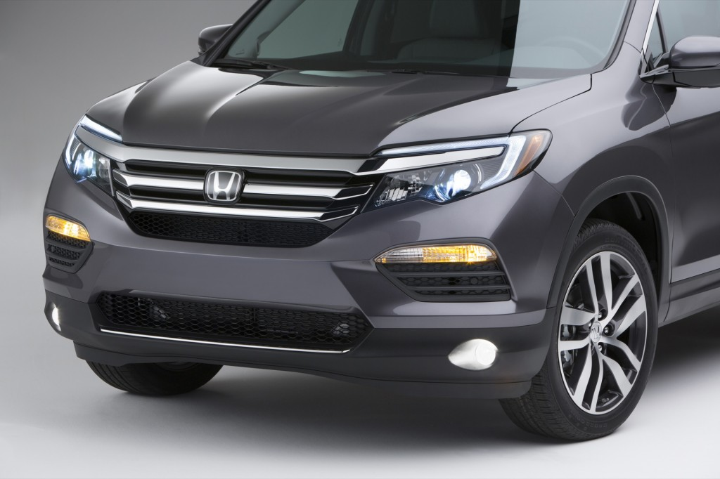 2016 Honda Pilot Revealed At 2015 Chicago Auto Show: Live Photos