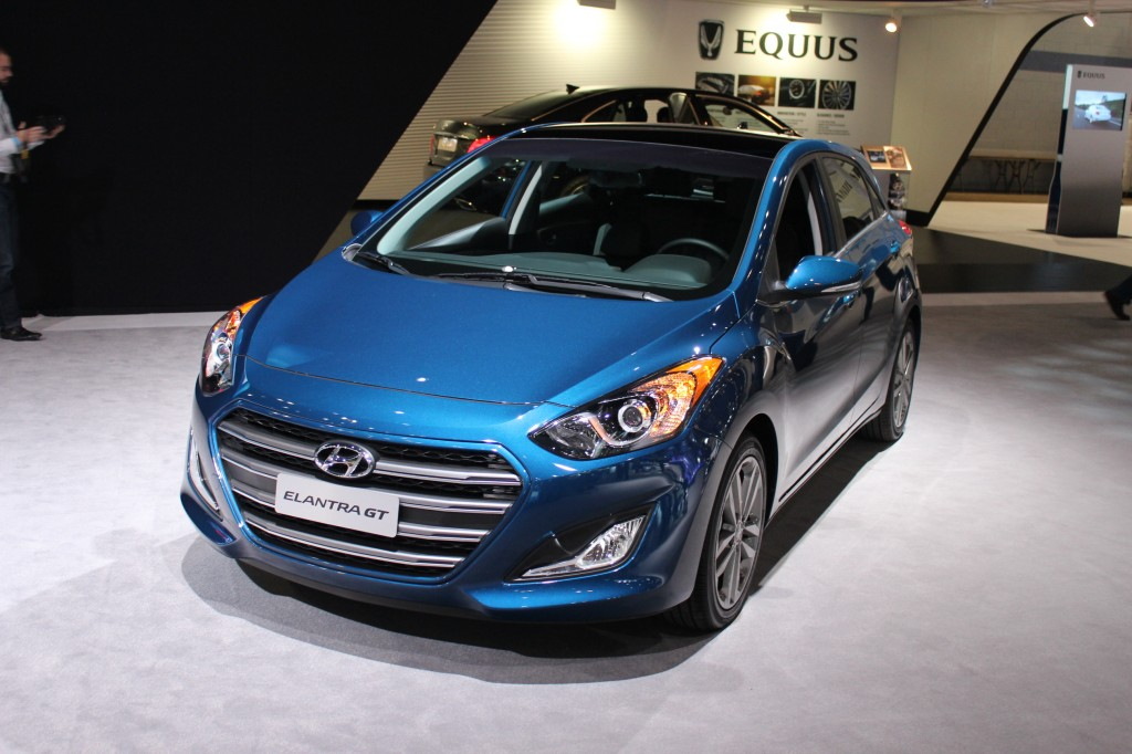 image 2016 hyundai elantra gt 2015 chicago auto show size 1024 x 682 type gif posted on. Black Bedroom Furniture Sets. Home Design Ideas