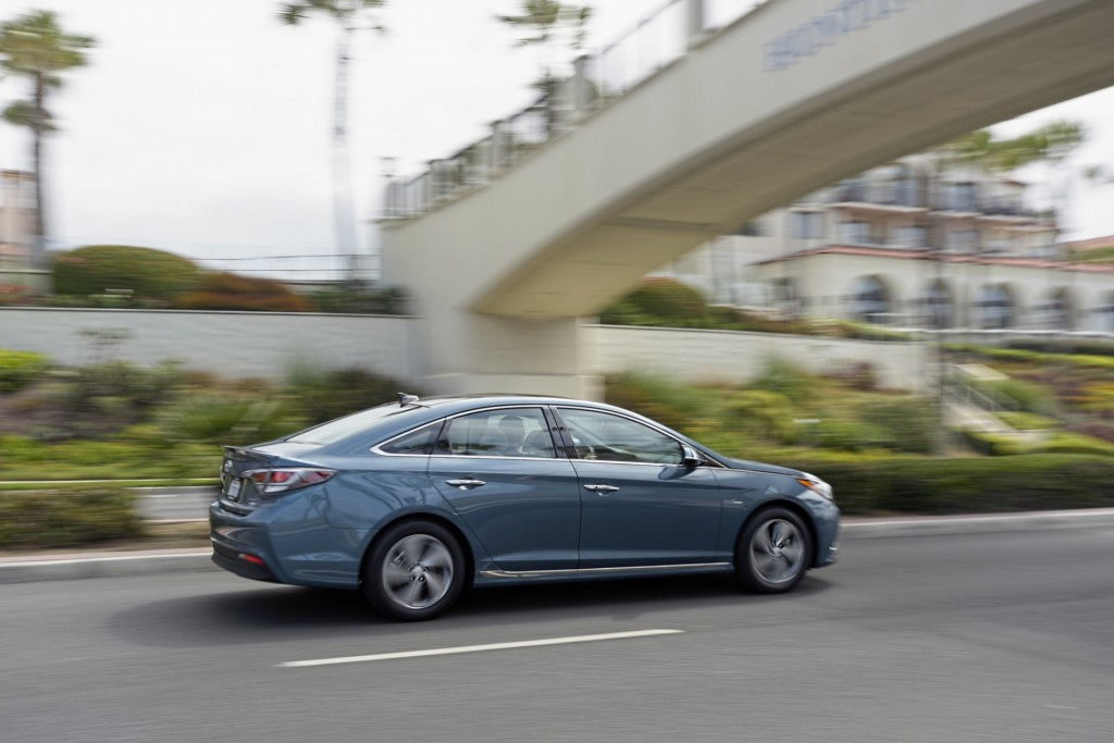 2016 Hyundai Sonata Hybrid And PlugIn Hybrid First Drive Page 5