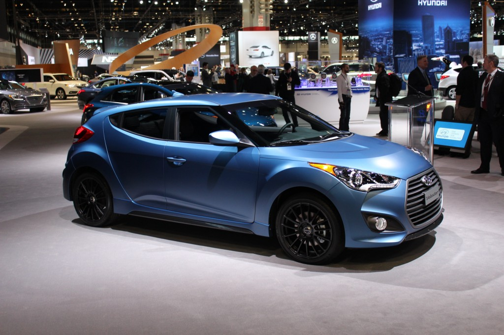 2016 hyundai veloster pictures photos gallery green car reports. Black Bedroom Furniture Sets. Home Design Ideas