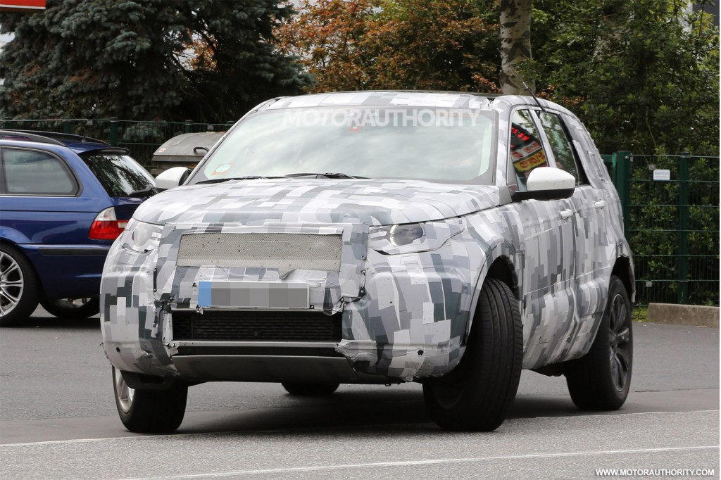 2014 - [Land Rover] Discovery Sport [L550] - Page 5 2016-land-rover-discovery-sport-lr2-replacement-spy-shots_100472876_l