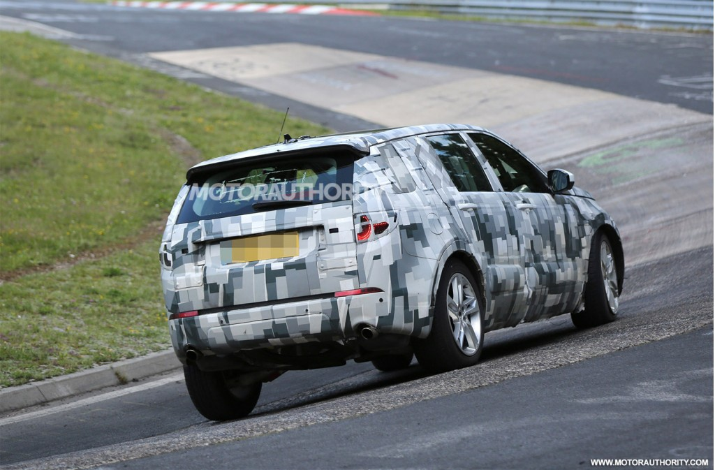 2014 - [Land Rover] Discovery Sport [L550] - Page 5 2016-land-rover-discovery-sport-lr2-replacement-spy-shots_100472882_l