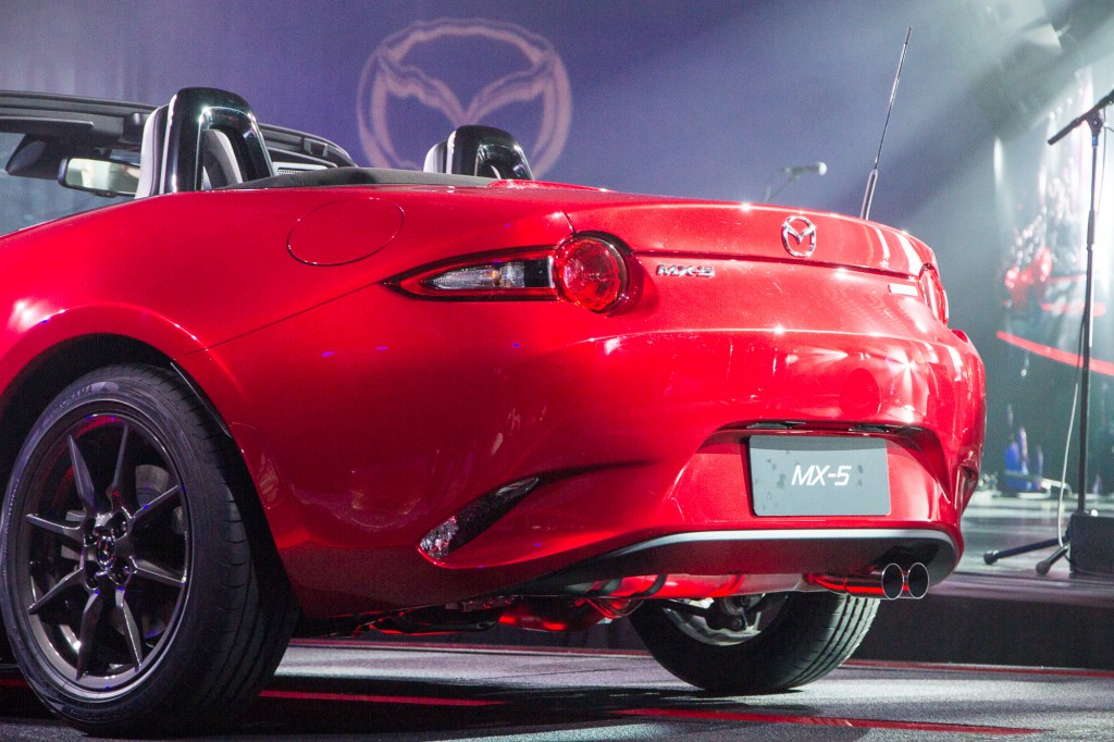 Lastest 2016 Mazda MX5 Miata Live Photos