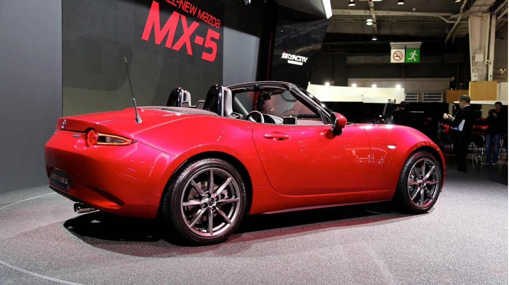 open your wallets this is how much the 2016 mazda mx 5 costs. Black Bedroom Furniture Sets. Home Design Ideas