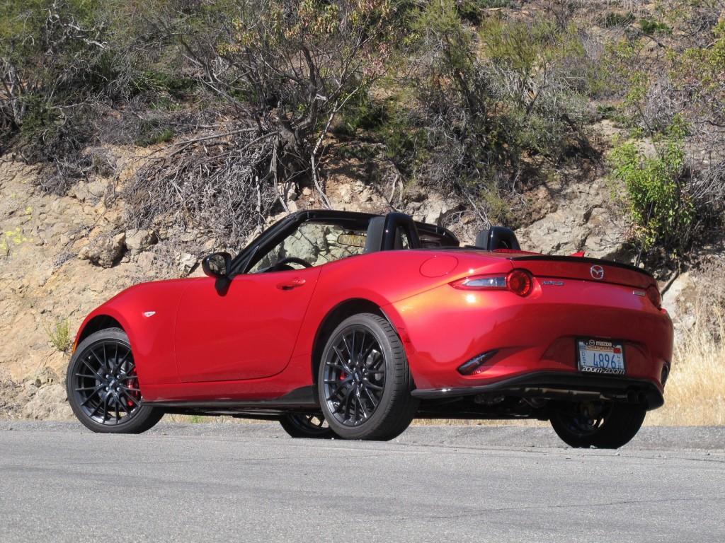 Beautiful 2016 Mazda MX5 Miata First Drive Video