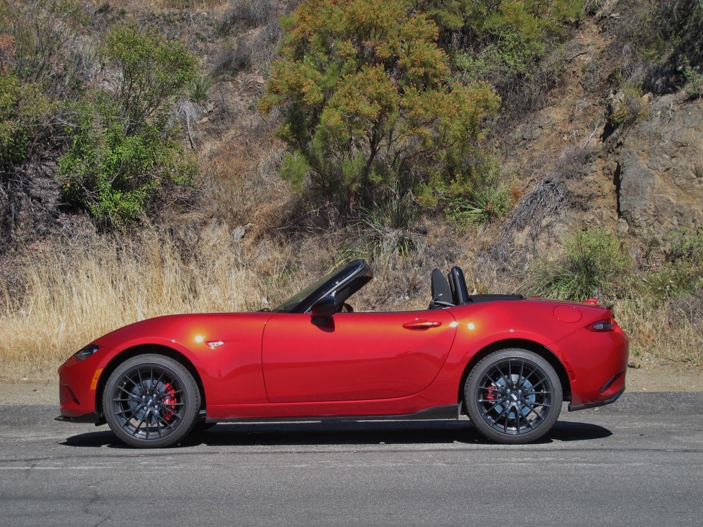 2016 mazda mx 5 miata first drive video. Black Bedroom Furniture Sets. Home Design Ideas