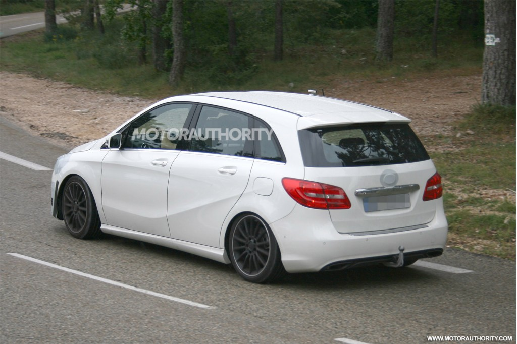 2015 mercedes benz b class spy shots. Black Bedroom Furniture Sets. Home Design Ideas