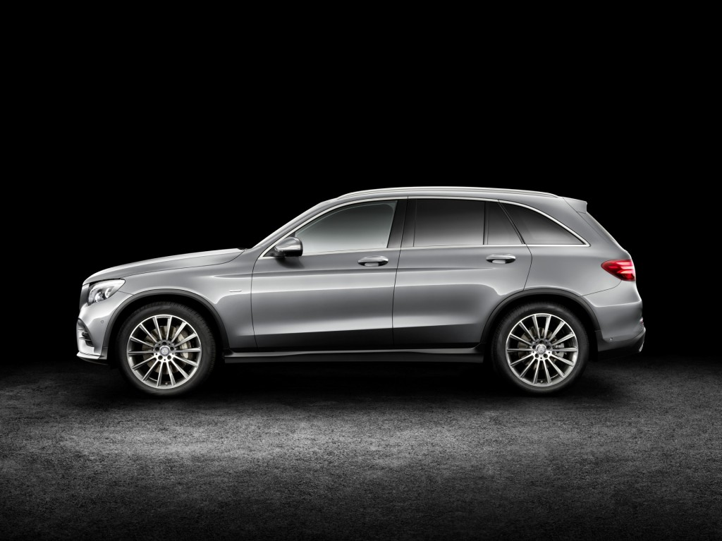 2016 mercedes benz glc revealed video for Auto interieur bekleden prijs