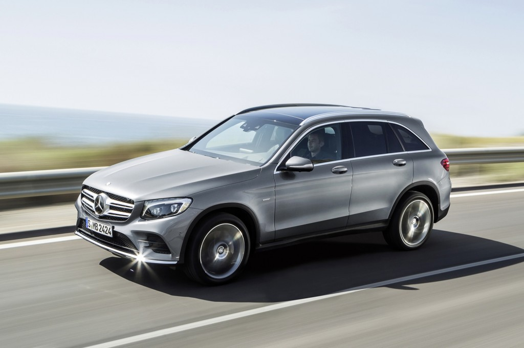 2016 mercedes benz glc revealed video. Black Bedroom Furniture Sets. Home Design Ideas