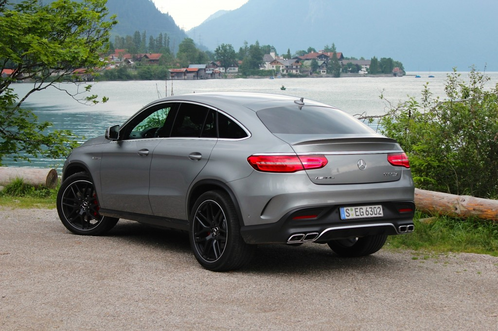 Image 2017 mercedes benz glc coupe 2016 new york auto show for Mercedes benz financial report 2016