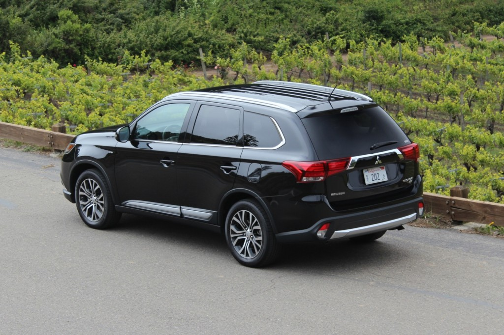2016 Mitsubishi Outlander First Drive
