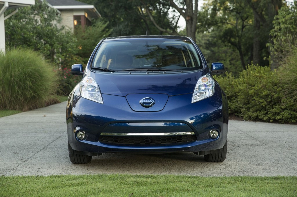 2016 nissan leaf electric car now rated at 107 miles on a charge. Black Bedroom Furniture Sets. Home Design Ideas