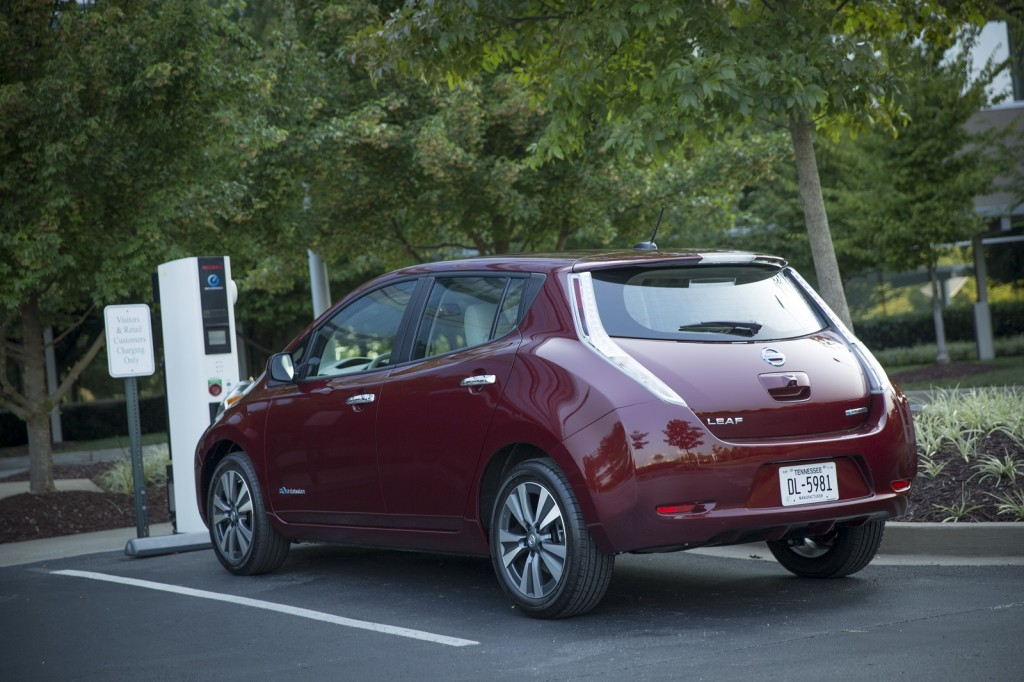 2016 nissan leaf offers 107 mile range with 30 kwh battery. Black Bedroom Furniture Sets. Home Design Ideas