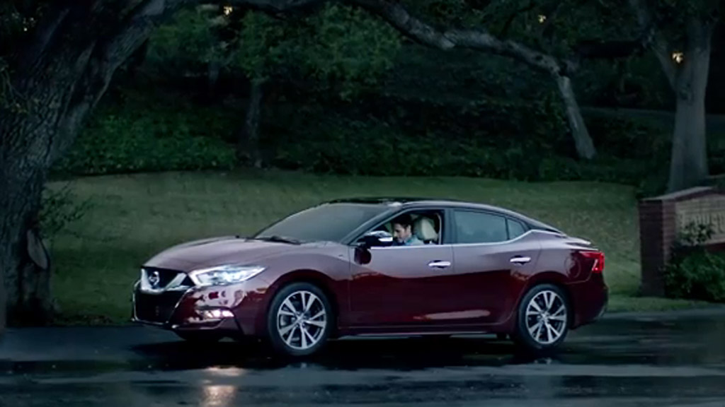2016 nissan maxima shown in super bowl spot updated with new photos. Black Bedroom Furniture Sets. Home Design Ideas