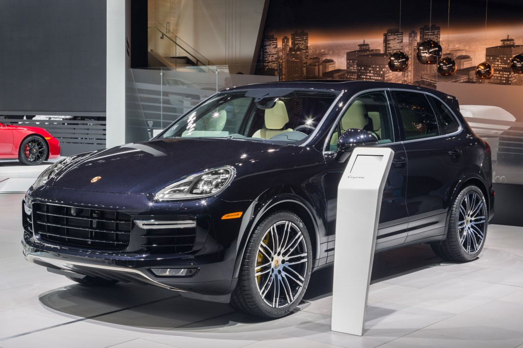 2016 Porsche Cayenne Turbo S: 570 HP And Sub8Minute 'Ring Time