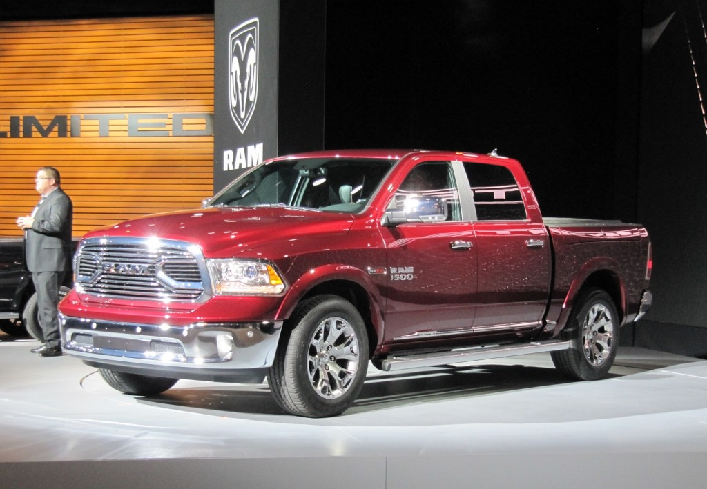2015 ram 1500 laramie limited 2015 chicago auto show. Black Bedroom Furniture Sets. Home Design Ideas