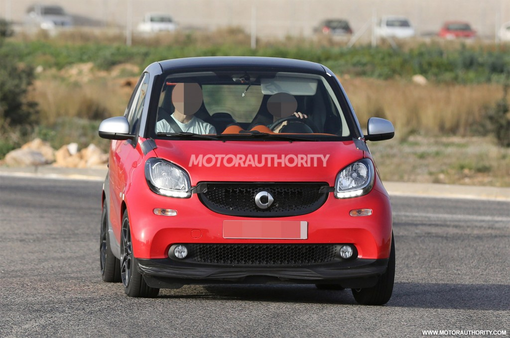 2016 smart fortwo brabus spy shots. Black Bedroom Furniture Sets. Home Design Ideas