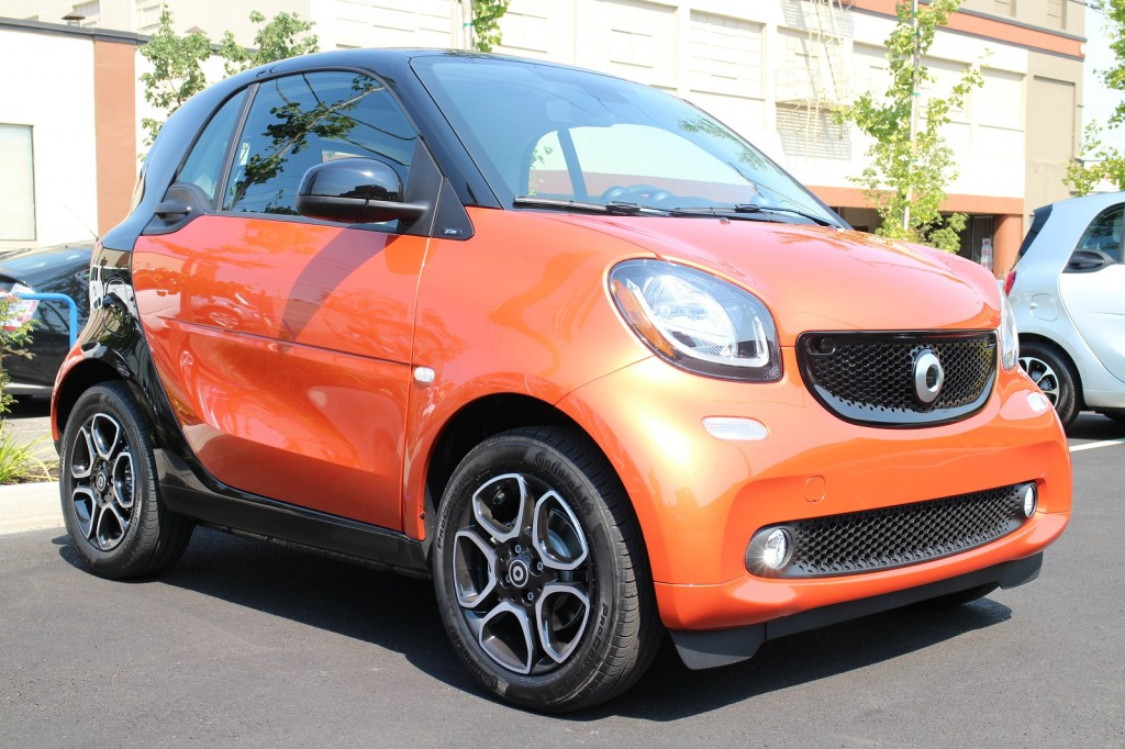 2016 smart fortwo first drive of all new two seat minicar. Black Bedroom Furniture Sets. Home Design Ideas