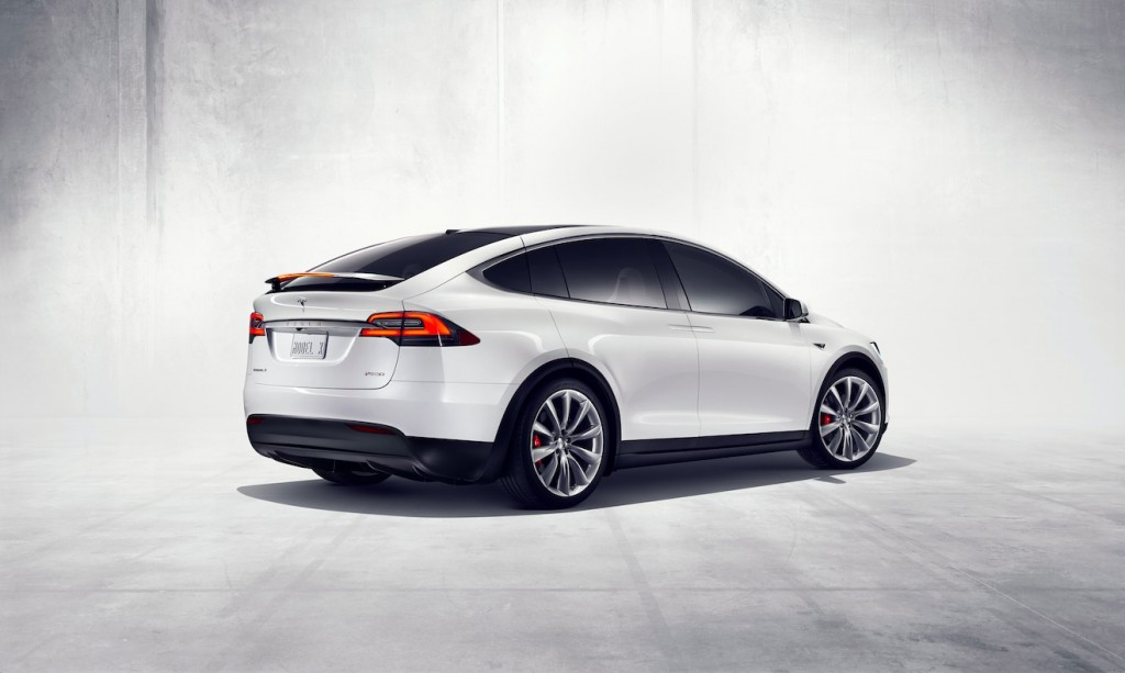 2016 tesla model x makes debut. Black Bedroom Furniture Sets. Home Design Ideas