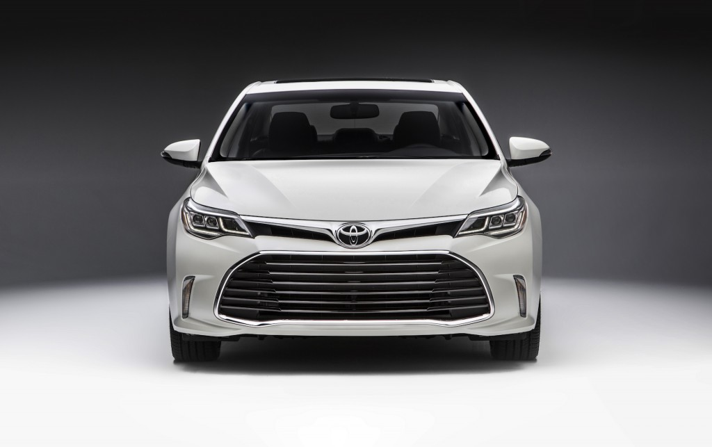 2016 toyota avalon updated at 2015 chicago auto show. Black Bedroom Furniture Sets. Home Design Ideas
