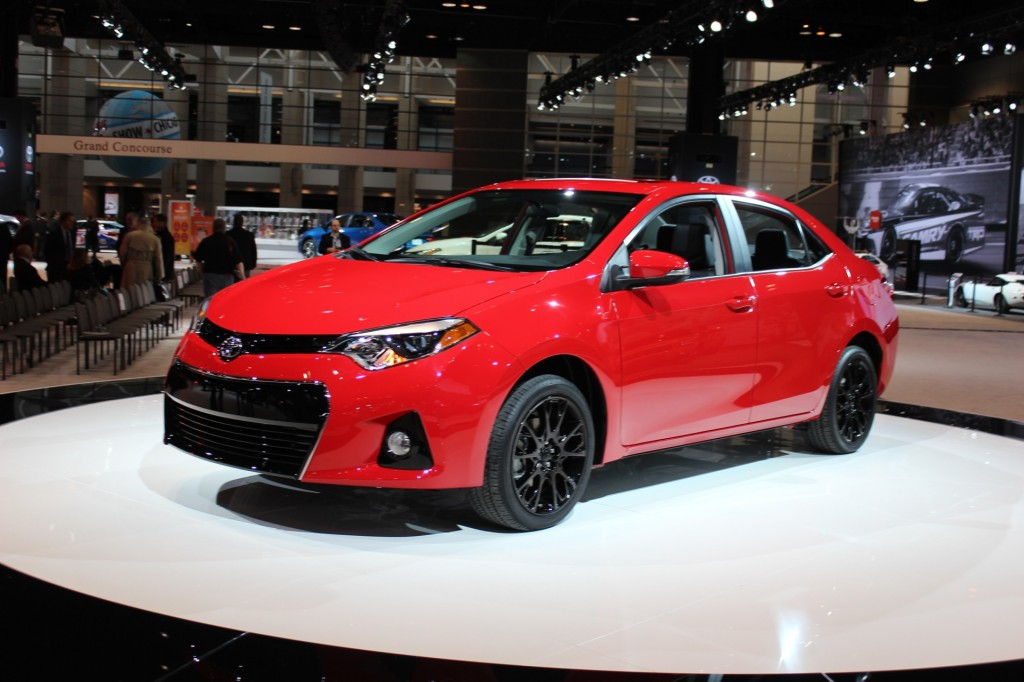 2016 toyota corolla pictures photos gallery motorauthority. Black Bedroom Furniture Sets. Home Design Ideas